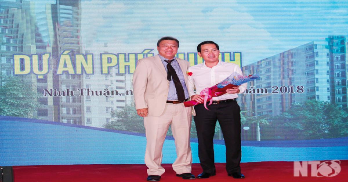 Lễ cất nóc và bàn giao căn hộ thô Dự án Phú Thịnh Plaza